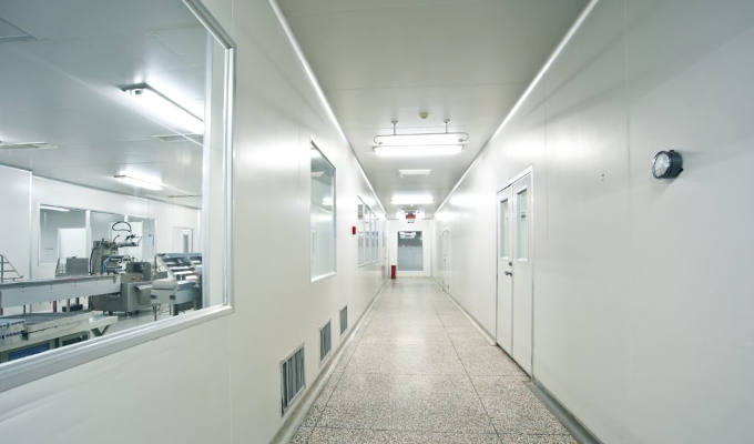 AEI Littlehampton Clean Rooms Case Study Image